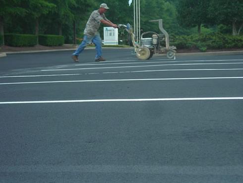 parking lot stripe painting machine